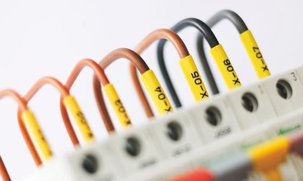 Tisk značení vodičů a kabelů na zakázku